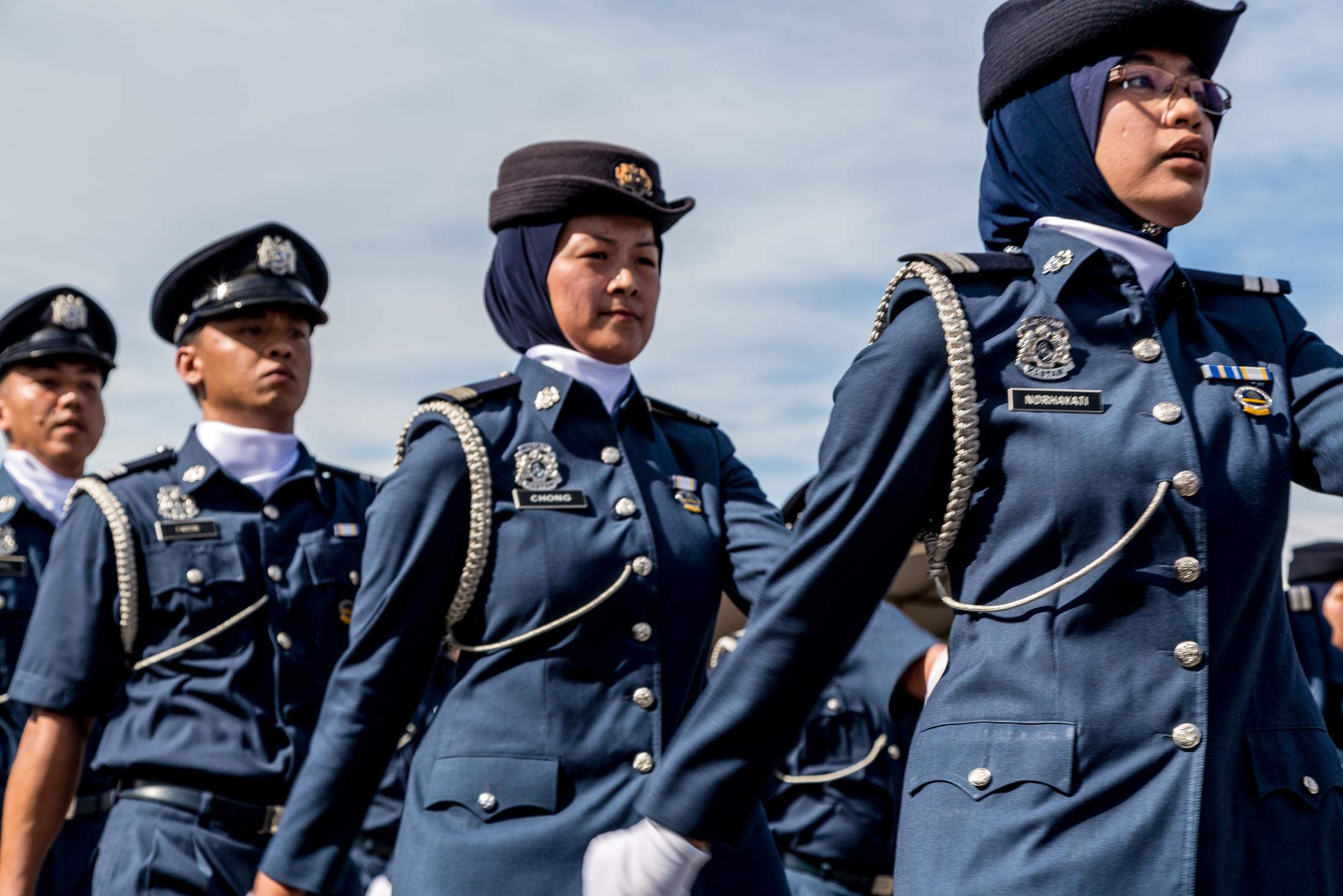 Contoh soalan peperiksaan penolong penguasa kastam wk29 for Uniform spa malaysia